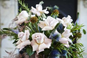 The biggest bridal flower trends for your winter wedding